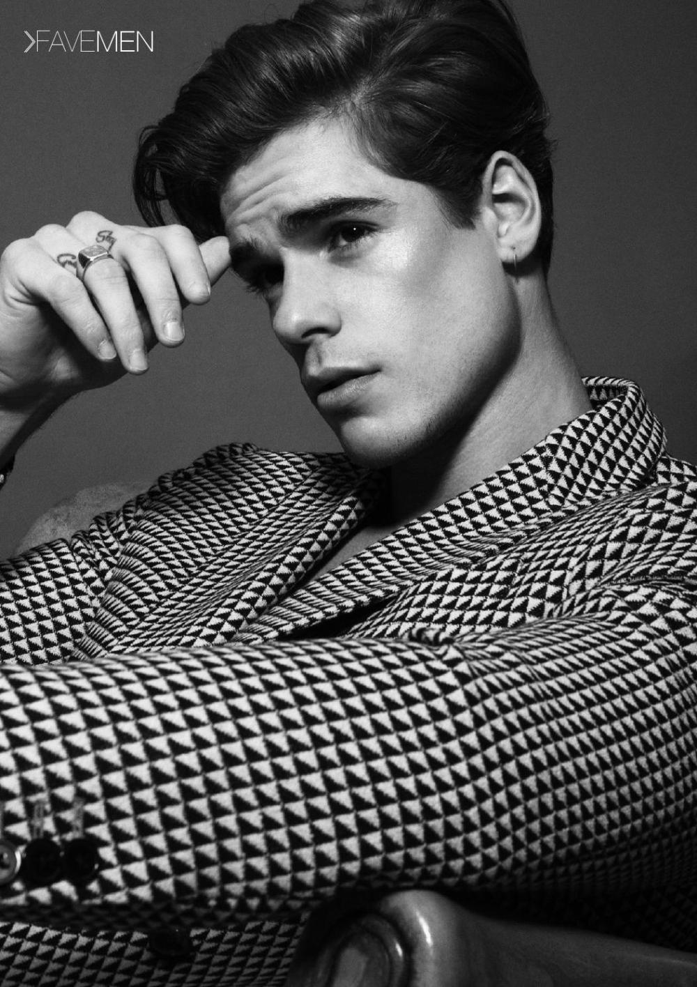 Giovanni Bonamy for FAVE Magazine 2016 1