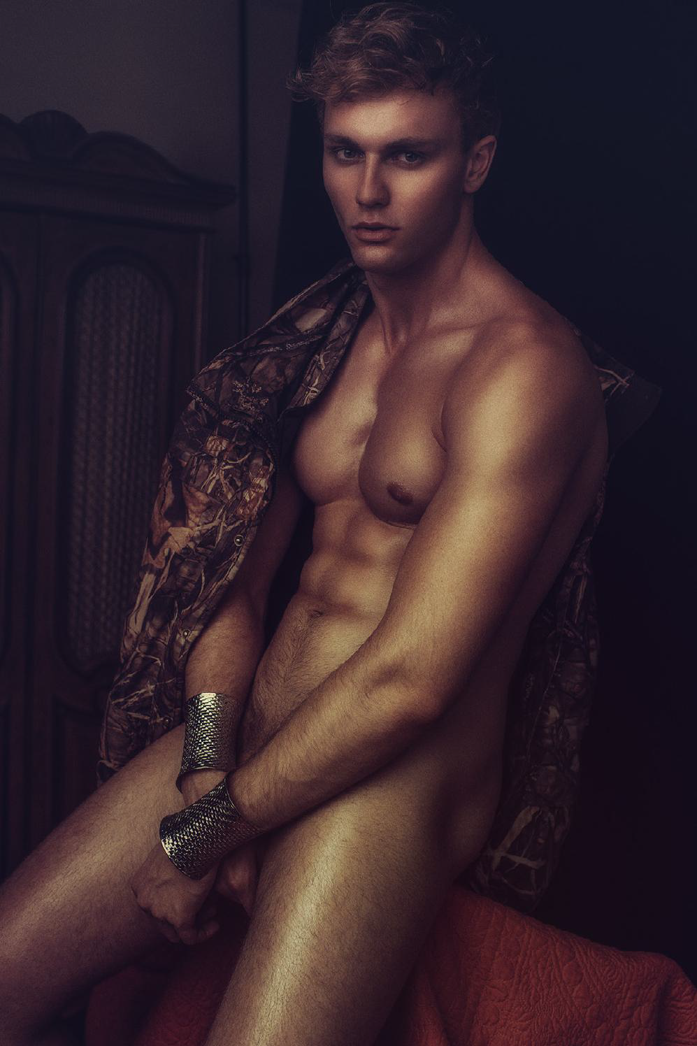 Laurent Marchand for Dominus Magazine 7