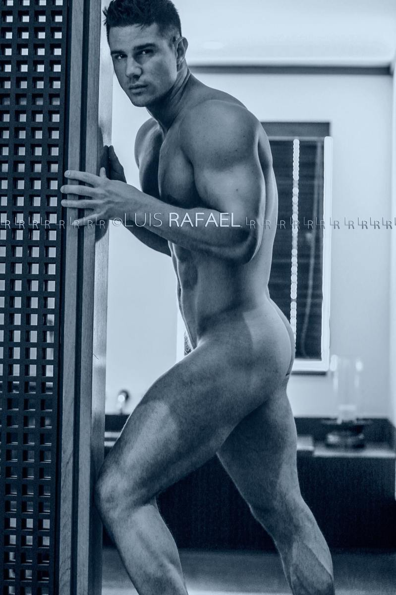 Dmitry Averyanov by Luis Rafael